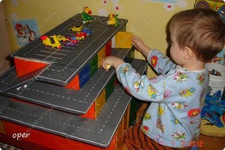 Гараж игрушечный своими руками