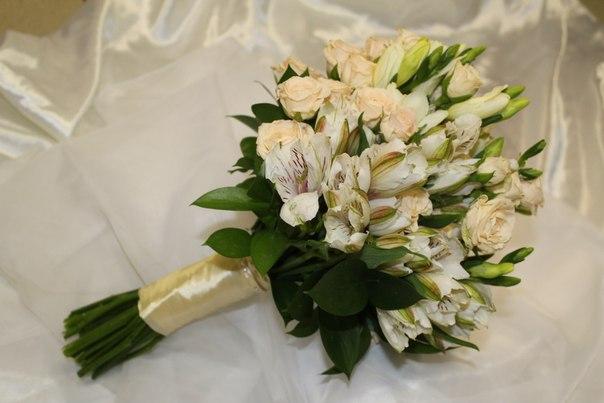 Склад цветов свадебный букет из роз киев недорогой букет цветов