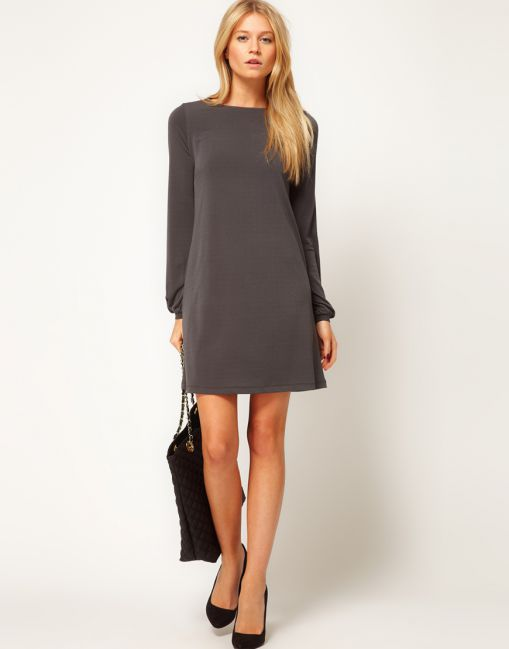 Платье футляр с рукавами