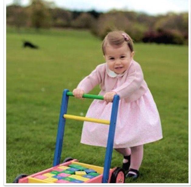 ca254a6cbb1aa3 Допоможіть обрати плаття на рік донечці? - ответы с 30 до 60 ...